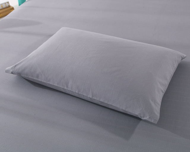 Grey Earthing Queen Pillow Case With 15 Cord